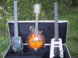 1_mandolin_2_guitars_small1.jpg